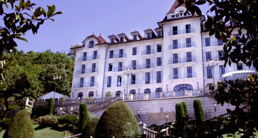 Palace de Menthon mariage - Five seasons Live band for wedding - orchestre mariage