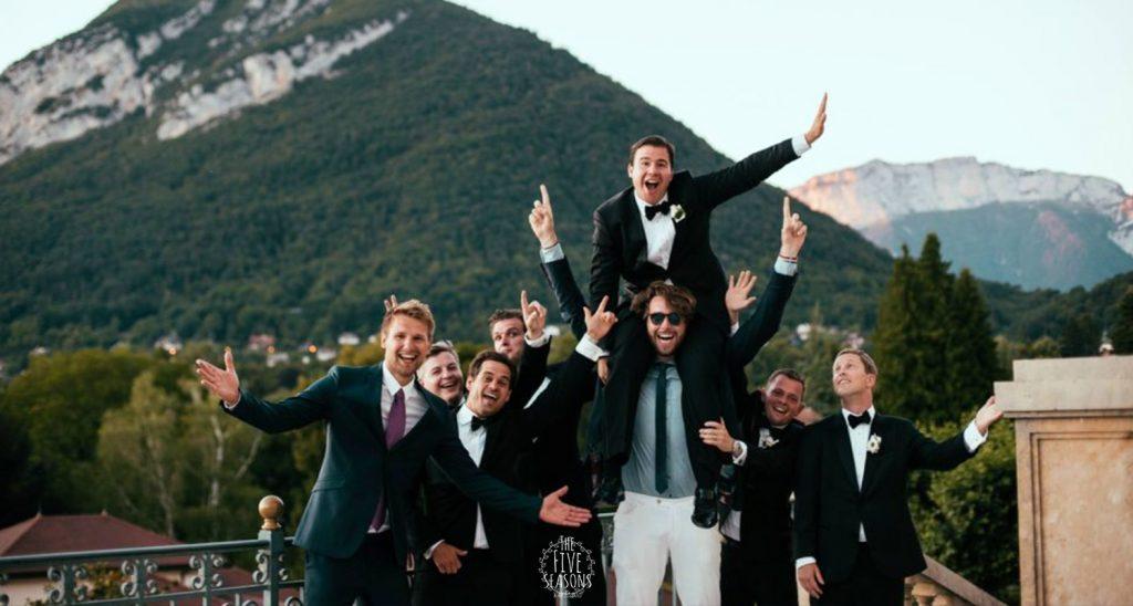 Palace de Menthon mariage - Five seasons live band for international wedding - le marié